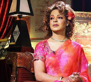 Drag Queen Cross Dresser Begum Nawazish Ali of Pakistan